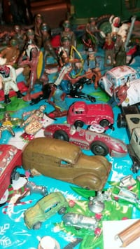 assorted color plastic toy lot Alexandria, 22309