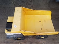 black and yellow dump truck toy Laval, H7N 1J1