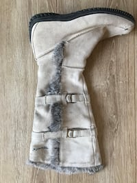 Grey leather high boot!!! Leather with rabbit fur outside size 7!!!!!