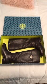 Tory Burch Boots Cary, 27518
