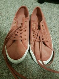 Rose Coloured Shoes - Size 9 Calgary, T3B 2G9