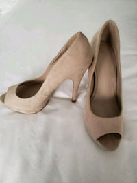 pair of beige peep-toe pumps Toronto, M6C