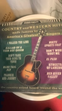 Classic Country and western hits vinyl  Toronto, M6R