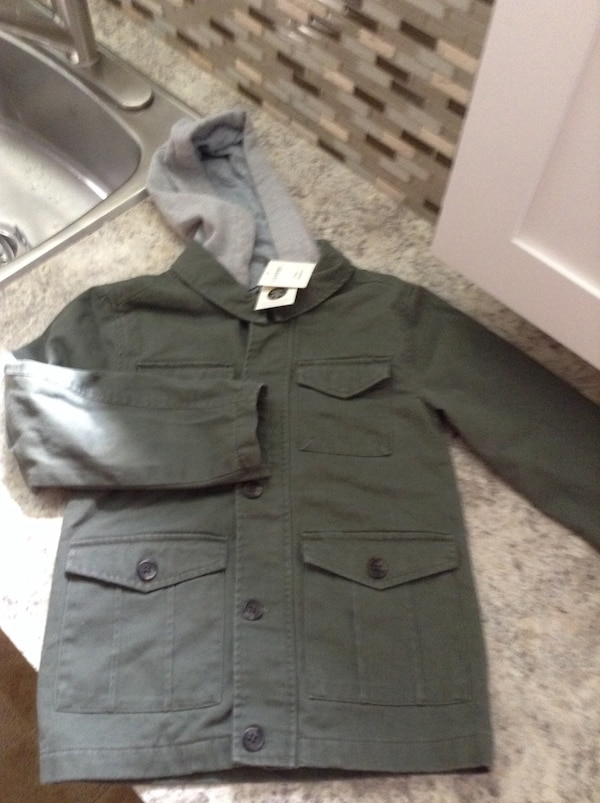 836a04be40f Used BNWT boys jacket size 6x get ready for back to school for sale in  Mississauga