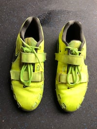 pair of yellow-and-green Nike sneakers Ashburn, 20147