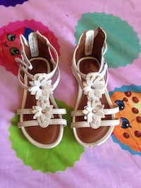 White toddler sandals Caruthers, 93609