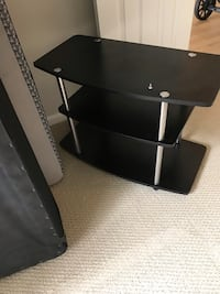 Tv stand $50 OBO Great Condition  Arlington, 22209