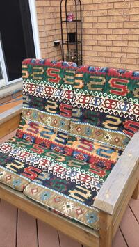 Patio cushions. 5 full cushions good condition. Multi coloured design. Never left outside. Pickup in georgetown Halton Hills, L7G 6N6