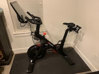Gen 2 Peloton with approx 16 month class subscription.  New Braunfels, 78130