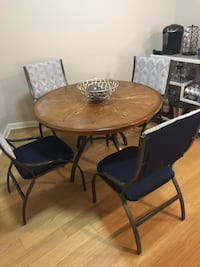 Dining room set, table and chairs Arlington, 22201