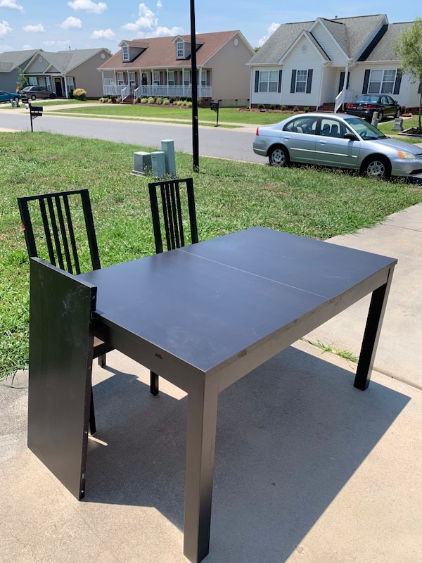 Kitchen table with two chairs ff07451d-e7d6-43d9-b5fa-d5adc7c33e60