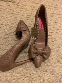 Size 6,5 never used  Des Plaines, 60016