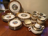 Vintage post WWII Crest-O-Gold dinnerware