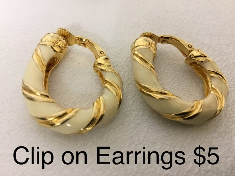 Clip on Earrings 86e49288-dd83-4383-8149-8e5c62aae2de