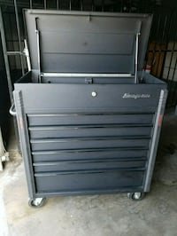 Snap-on rolling drawer tool chest