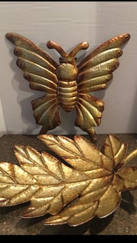 Set of 2 Metal Decorative Wall Hangings  Manassas, 20112