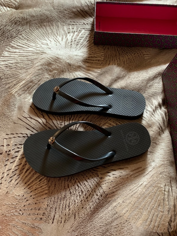 bead552c10bf Used Women s Tory Burch flip flops size 7 for sale in San Jose - letgo