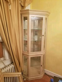 brown wooden framed glass display cabinet Clinton, 20735