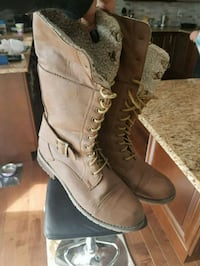 Brown Winter Boots (Womens Size 9) Courtice, L1E