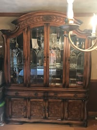Solid Oak Dining table & 8 matching chairs with Matching China Cabinet Andover, 01810