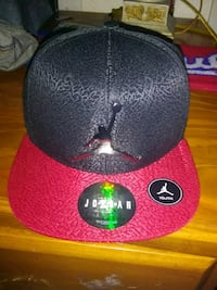 black and red fitted cap Fresno, 93701