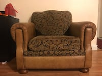 Couch for sale! Selling urgently! Montréal, H9J 3S2