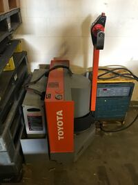Electric / Battery Powered Toyota Walkie - Pallet Truck Kitchener, N2E 0B6