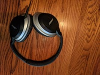 black and gray Bose corded headphones Fairfax
