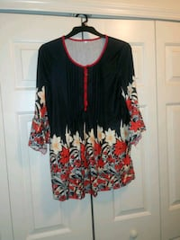 Red/Black Button Down Flowy Top Wesley Chapel