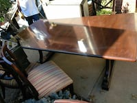 Dining table with two leaves and eight side chairs Capitol Heights, 20743