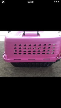 Petmate small great condition  Palmdale, 93551