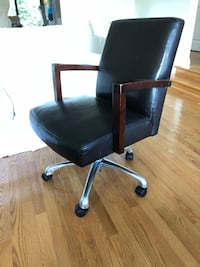 Desk swivel chair Surrey, V4A 7P6
