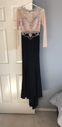 Black and gray sleeveless dress Edmonton, T5Z 2V4