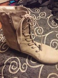 boots beige leather zippered and laced