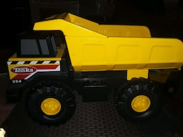 VINTAGE STEEL TONKA 354 DUMP TRUCK IN GREAT CONDITION COLLECTABLE SALE