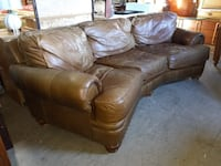 Sofa / Made of Leather / Curved Conversational Couch  60081