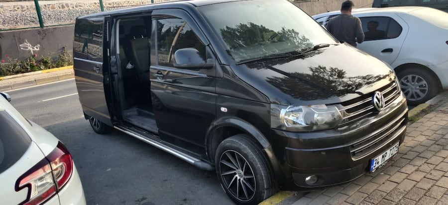 2012 Volkswagen Caravelle ae8f46f4-ae62-4eb1-ad9b-98244d13bd74