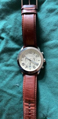 round silver Michael Kors analog watch with brown leather strap Woodbridge, 22192