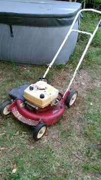 Snapper lawn mower - starts and runs great!