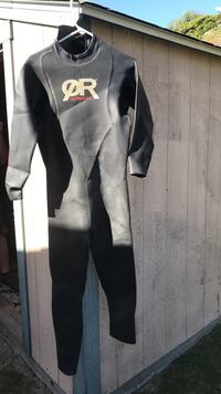 black and gray wetsuit San Diego, 92119