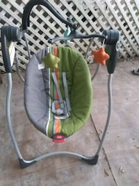 green and gray bouncer seat Mercedes