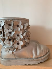 Ugg boots size 1  New York, 11230