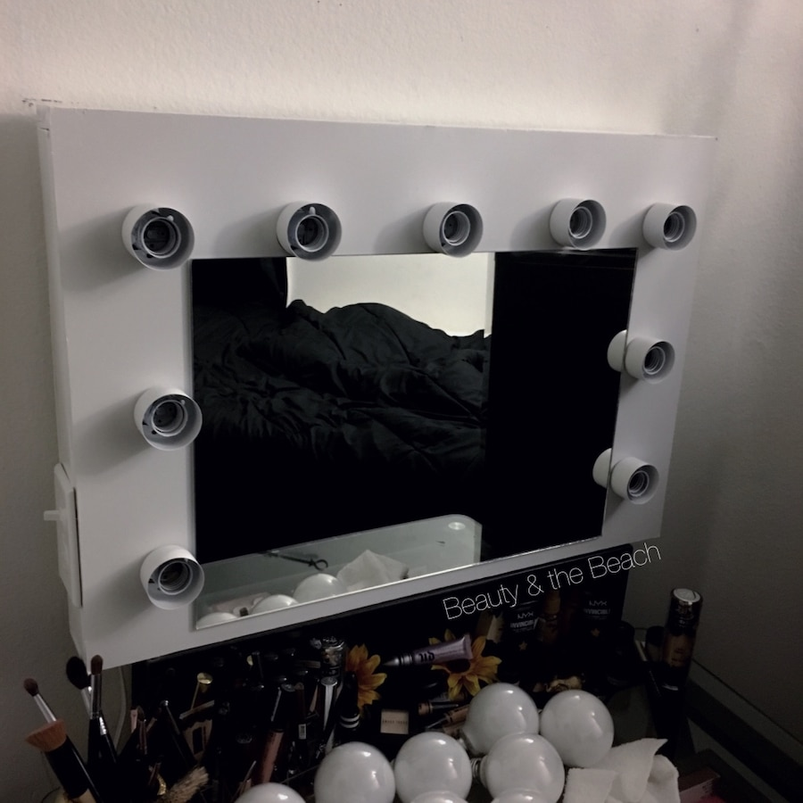 White vanity mirror Hollywood style mirror with lights in Corona - letgo