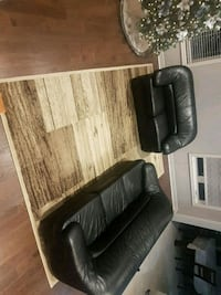 Leather sofa and loveseat and Persian rug New Tecumseth, L0G 1W0