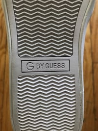 G by guess Size 10 Winnipeg, R3C 1W2