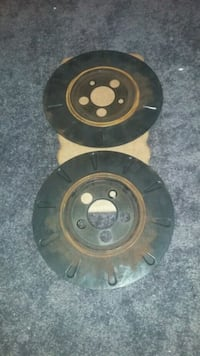 Dust disc for a Lincoln Town car