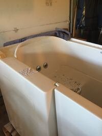 Jacuzzi style jetted walk in bath tub NEVER USED Bensville, 20695
