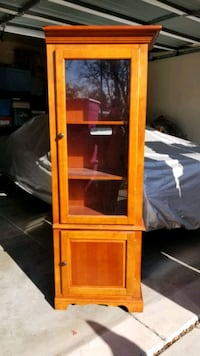 Set of 2 display cabinet's