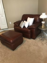 Brown leather sofa chair with ottoman  very nice night quality leather Dallas, 75204