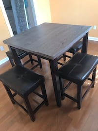 Pub table and 4 stools Metairie, 70003